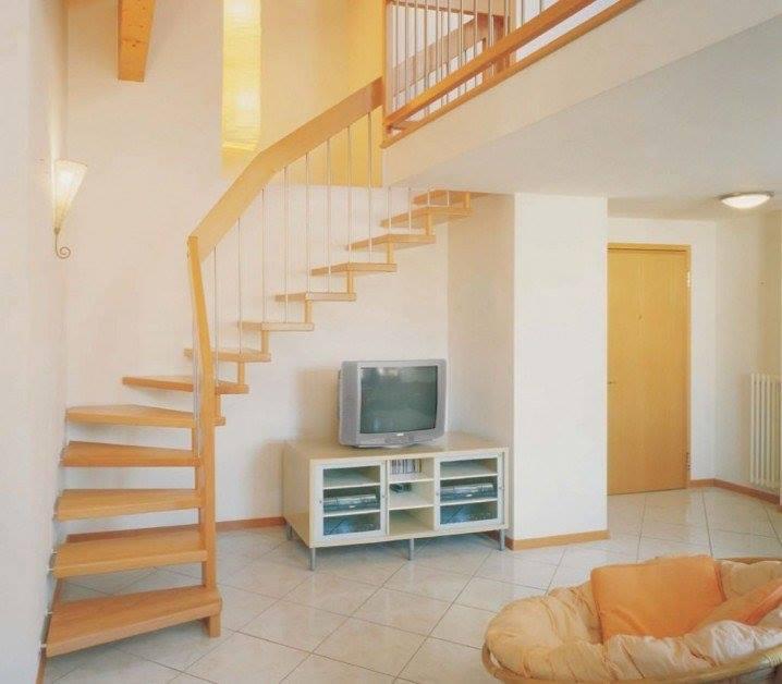 Modelos de escaleras para interiores alto lago privada for Gradas para interiores