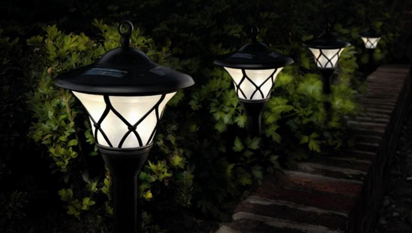 Claves para elegir la mejor iluminaci n solar para el jard n o la terraza alto lago privada - Iluminacion solar jardin ...