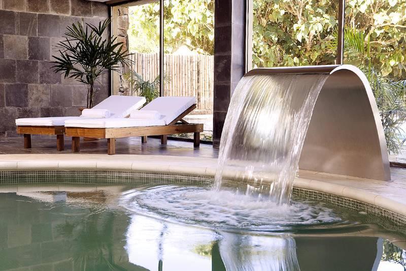 Fuente de agua para jard n alto lago privada residencial - Fuente agua interior ...