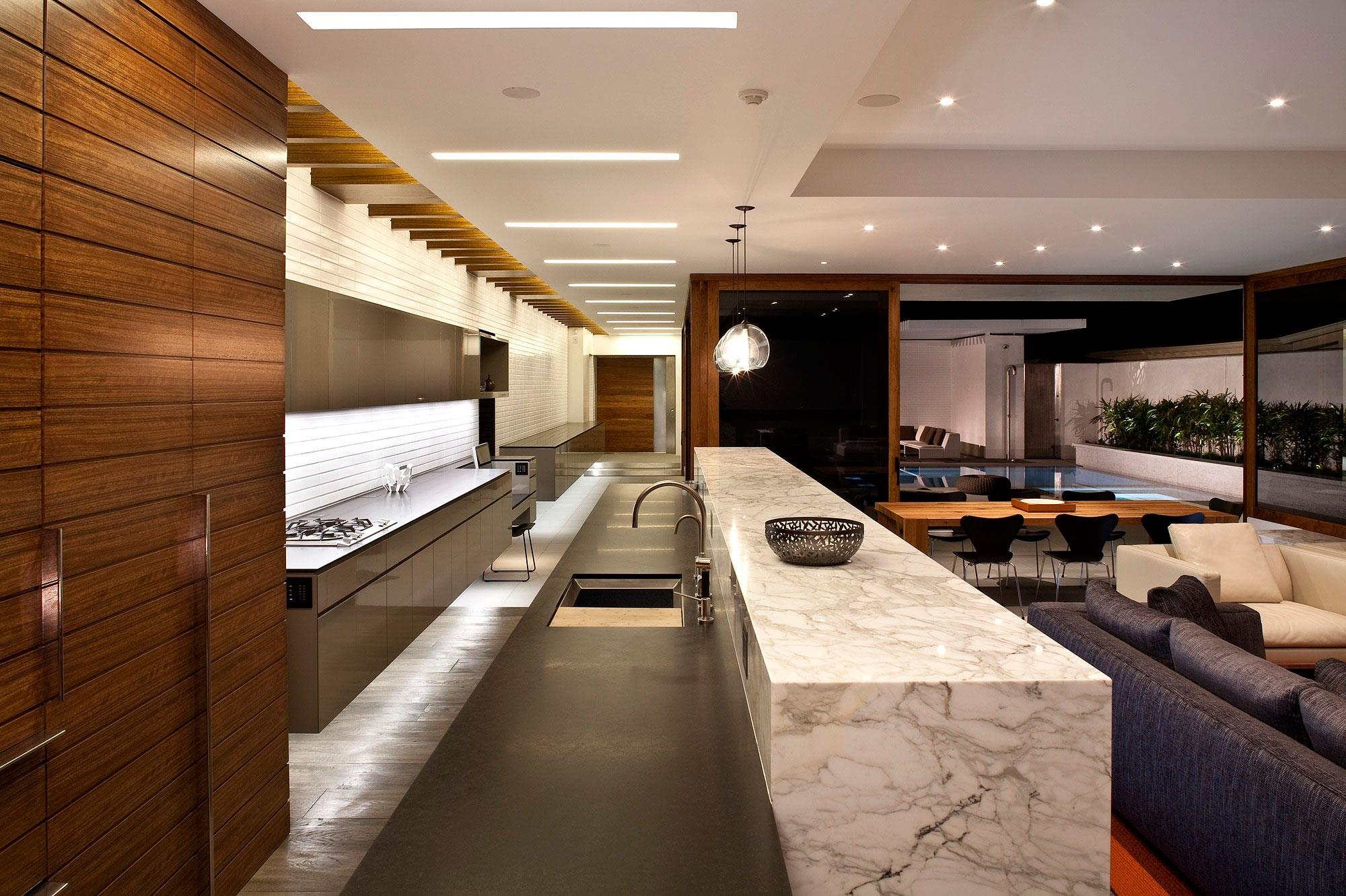 Lujosa arquitectura moderna con elegante dise o de for Tipos de cocina arquitectura